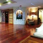 Country Inn & Suites Bloomington West