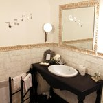 Lilas bathroom