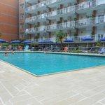 Veduta della fantastica piscina e residence
