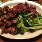 Hanger Steak with Sautéed Button Mushrooms and Spicy Broccoli