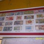 Particular de la colección de billetes de 110 Paises extranjeros