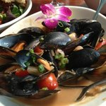 Mussels in peanut sauce, light and delicious!