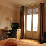 Hôtel Alpes et Lac: Lake-View Room with Balcony