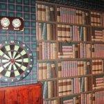 Bibliothèque en trompe-l'oeil