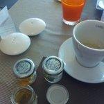 dettaglio del tavolo prima colazione