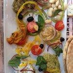 assiette mediteraneenne très bonne