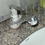 que dire ce que j'ai payé pour la semaine pourrait remplacer tos les robinets de l'hotel