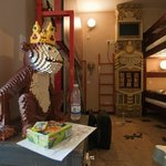 Udsmykning i værelset - aben var eneste større figur