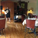 Live music during Sunday Brunch!