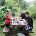 Tea & cake in the garden!