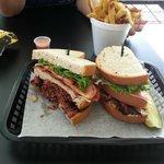 Ronnie Pastrami's Deli & Catering의 사진