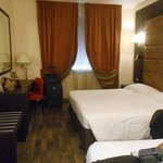 triple room (king and twin)