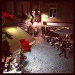 вид на площадь с террасы ресторана