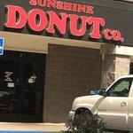 Foto de Sunshine Donut Co
