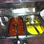 café da manhã: salsicha e omelete