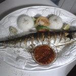 Fisch, größer als der Teller