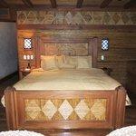 Vista Suite bed