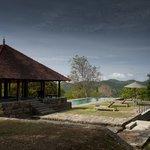 Pool ambalamba