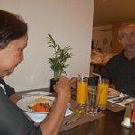 A comida é muito boa e relativamente em conta.