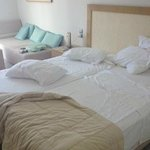 2 single beds DELUXE ROOM!