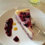 Banana berry cheesecake