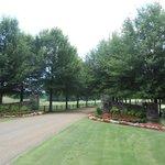 Main entrance to Barnsley Gardens