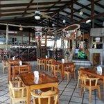 Restaurante y bar.