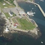 Fort Constitution and Portsmouth Harbor Light seen from the air in 2001
