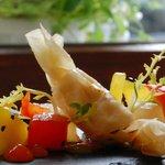 Ziegenkäsebonbon mit Melone und Paprika