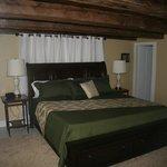 Crescent Lake room