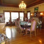 Breakfast & Dining room table