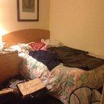 Hår i sengene betød, at vi måtte gå til drastiske metoder. ad!