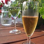 Sparkling wine made of green currant.