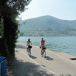 Cycling on Monte Isola between the mopeds