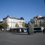 Na frente da estação de TGV