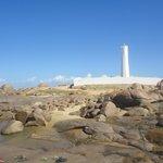 Farol e vista parcial da praia