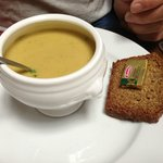 Veggie soup with brown bread