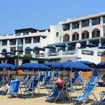 l'hotel dalla spiaggia