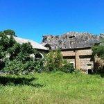 Antigos armazens atualmente abandonados.