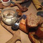 burrata and roasted garlic vasi