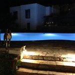εκπληκτική πισίνα