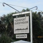 Welcome to AIRPORT GUESTHOUSE