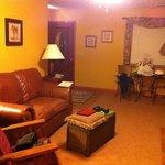 Living room..Very nice!!