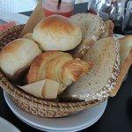 美式早餐有很多麵包,都好好吃