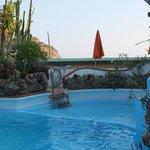 piscina con vista mare