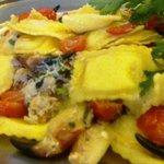 Ravioli di pasta fresca al pesce con Chele di Granchio apena pescato e pomodorini dolcissimi!!!!
