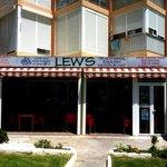 Lews Restaurant