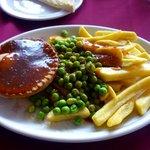 Pie, chips, peas & gravy