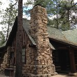 Adorable, well located cabin in the park