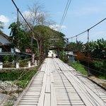 Brücke neben dem Hotel